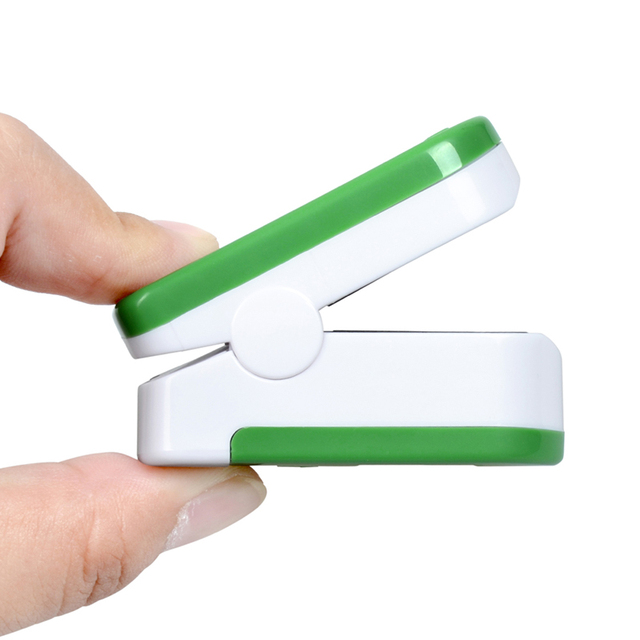 New!! Finger Pulse Oximeter With Case Fingertip Oximetro de pulso de dedo LED Pulse Oximeters Saturator Pulsioximetro