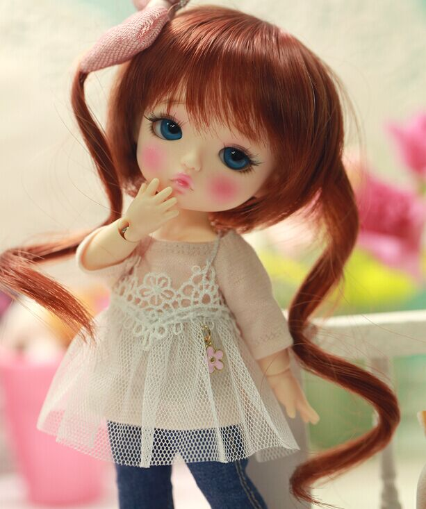 Free shipping 1 8 bjd doll yuna