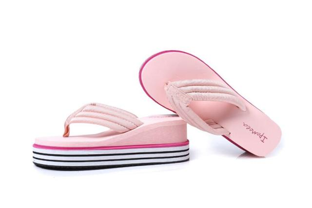 e8184db08 Pu Rubber Slip-on Casual Plain Fashion Sandals Shoes Beach Flat Wedge Flip  Flops Lady Slippers Women 2017 summer style