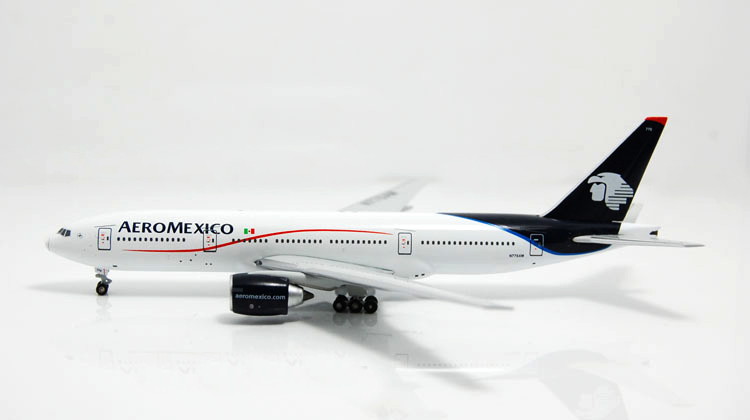 rare Fine Wit y 1: 400 WT4772007 Mexican aviation B777-200ER N776AM Alloy aircraft model Collection model Holiday gifts 1 400 jinair 777 200er hogan korea kim aircraft model
