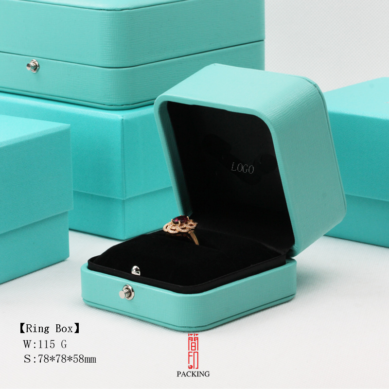2018 New Brand jewelry boxes the Gift Boxes Classic style Ring pendant and Bracelet Boxes All Boxes Not any LOGO kit thule 1817