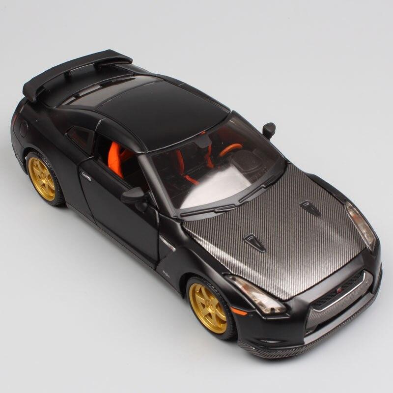 1:24 Échelle mini enfants Nissan GTR 2009 GT-R R35 fiber de carbone chargeur en métal moulé sous pression modèle racing sport auto voitures jouets cadeau garçons