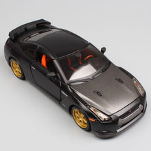 1:24 Scale mini children Nissan GTR 2009 GT-R R35 carbon fiber charger metal diecast model racing sport auto cars toys gift boys(China)