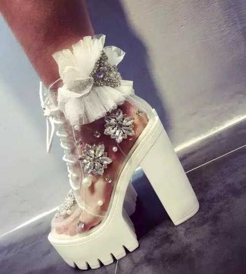 Fashion Transparent PVC Ankle Boot Bling Crystal Pearl Bead Thick Heels Boots for Woman White Lace Flower Platform Lace-up Boots handmade crystal pearl beading ankle boots for 2018 woman sweet lace flower platform high chunky heels pumps wedding dress shoes