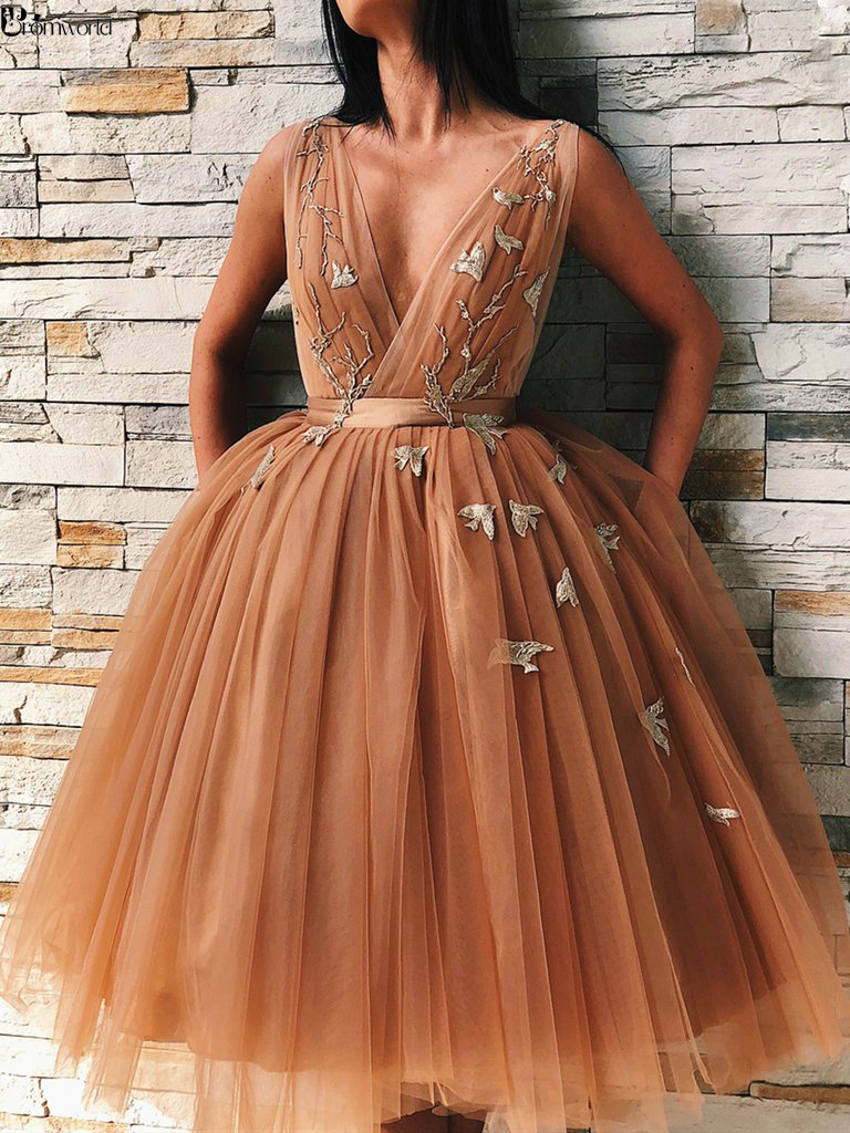V Neck Backless Floral Flowers Champagne Prom Gown Short Graduation Homecoming Dresses 2019 Puffy Tulle Cocktail Party Dresses