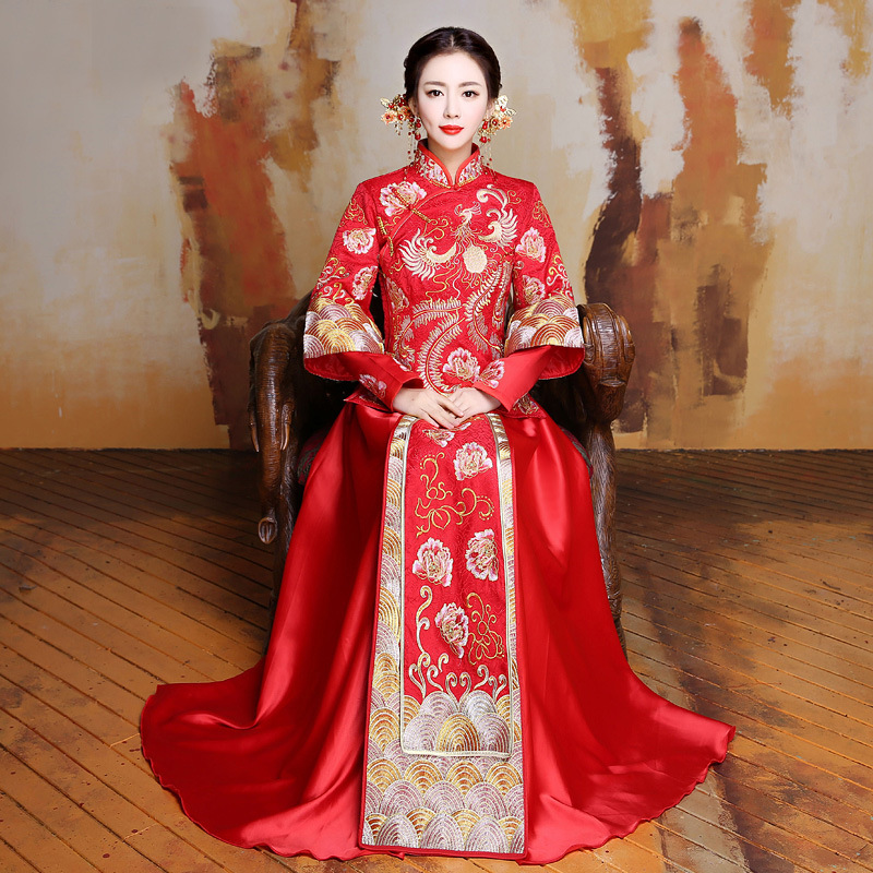 Chine robe traditionnelle de mariage Qipao rouge à manches longues Cheongsam broderie mariée Style chinois robe en gros taille S à XL