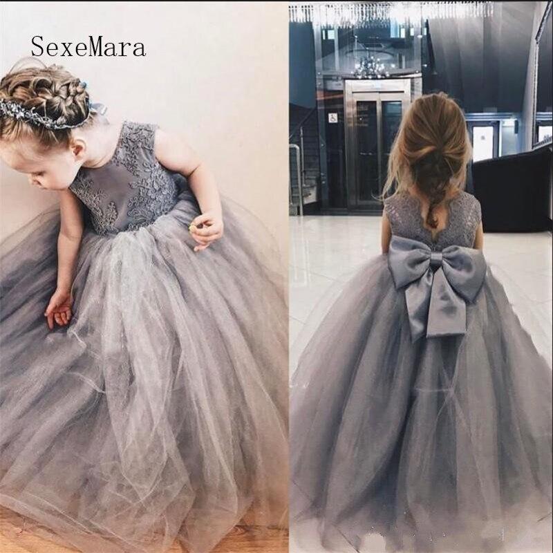 Mignon gris princesse fleur filles robes avec dentelle Appliques bijou cou V retour grand arc enfants robes de reconstitution historique robe de bal gonflée Longo