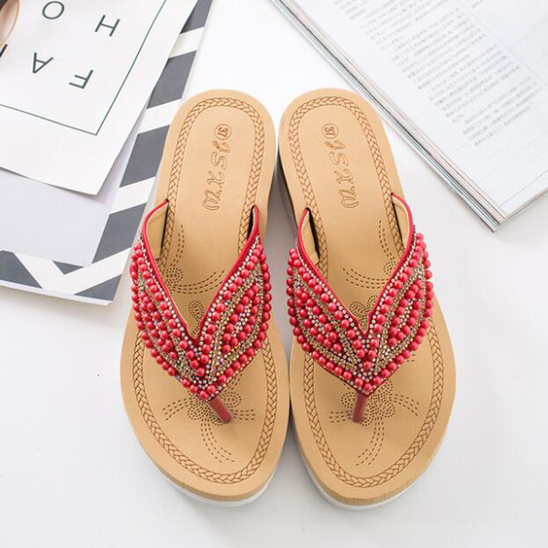 New Trend Beach Slippers Rhinestone Eye Personality Pearl Slippers Girl Out Casual Beading Crystal Flip Flops Slide Sandals