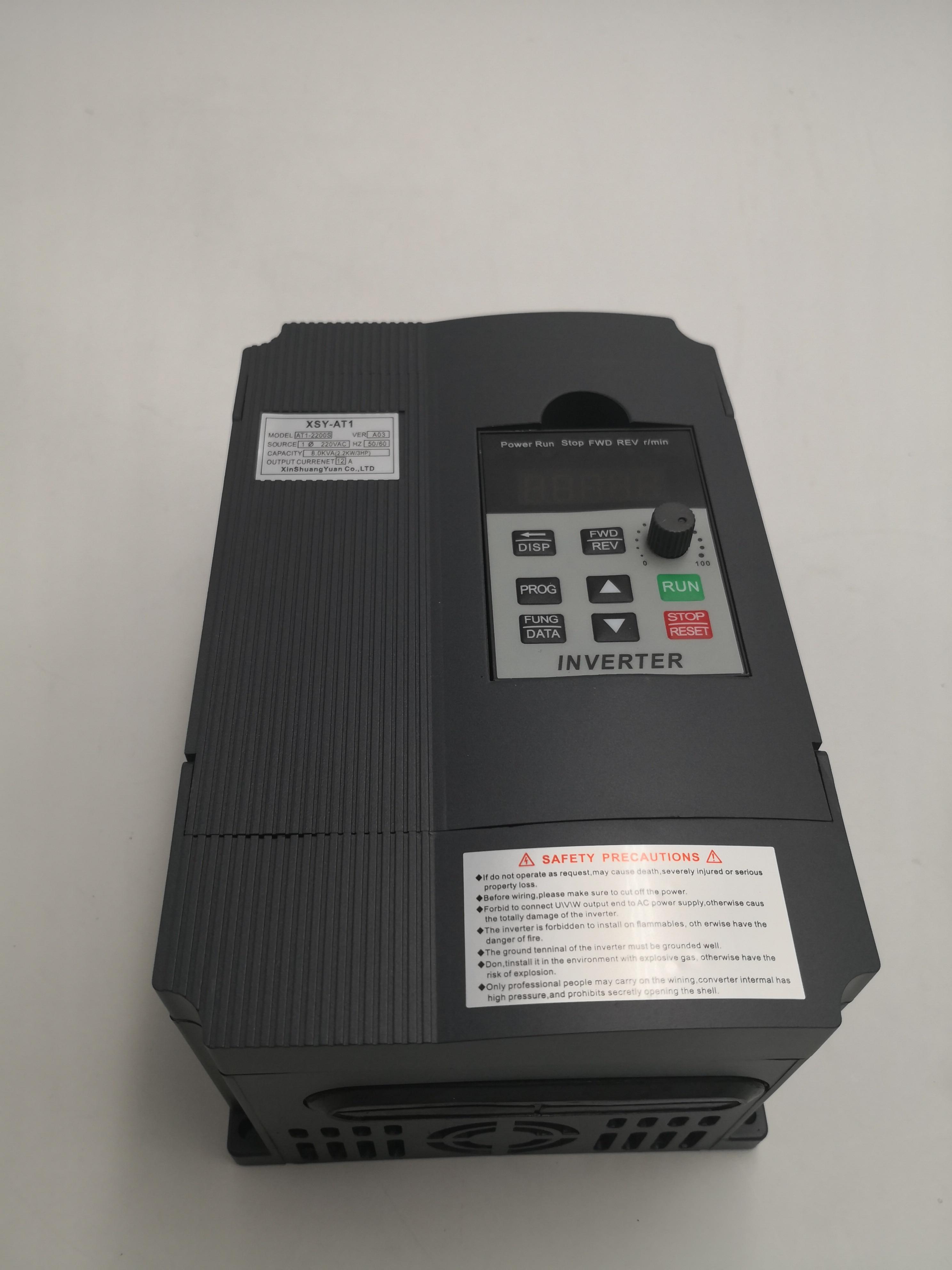 VFD 1.5kKW/2.2KW/4KW inversor XSY-AT1 monofásica inversor de Freqüência 220v Input-três fases de Saída do motor controlador de velocidade