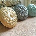 Flor gravado redondas de cerâmica de porcelana armário gaveta porta móveis Knob Handle puxe com parafusos