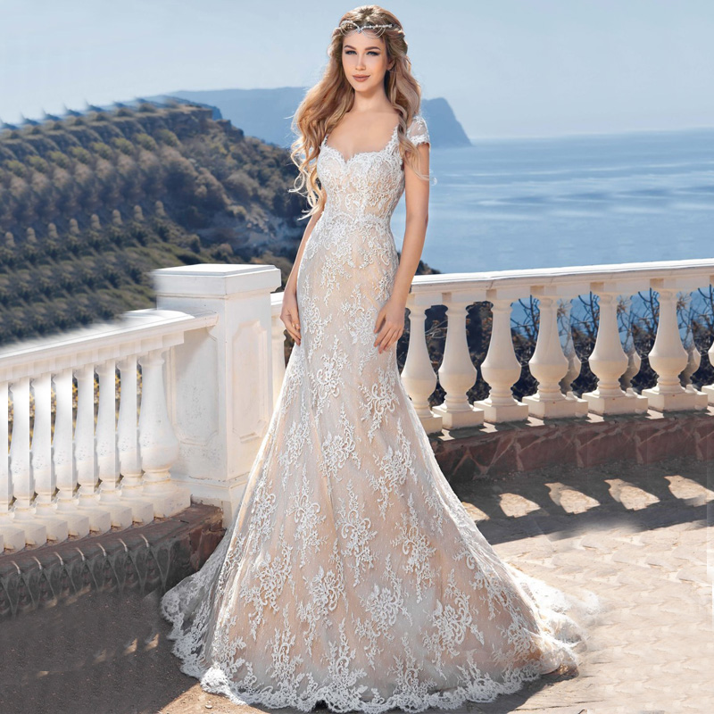 Beach Wedding Gown: Customized Cap Sleeve Sexy Backless Beach Wedding Gown