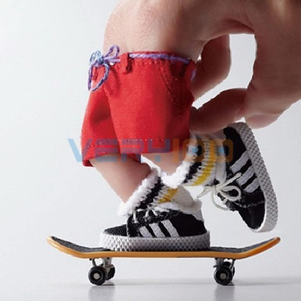 4pcs Decoration LED Finger Mini Skateboard Tech Deck Skate Board Boy Girl Toy Random Free Shipping 360 degrees