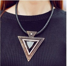New fashion leather cord triangle clavicle necklace resin choker pendent necklaces and pendants popular necklace unusual jewelry cheap Waledise CRYSTAL 33-50cm TRENDY Chokers Necklaces Women geometric LQ-010 Rope Chain sequins beads 35cm