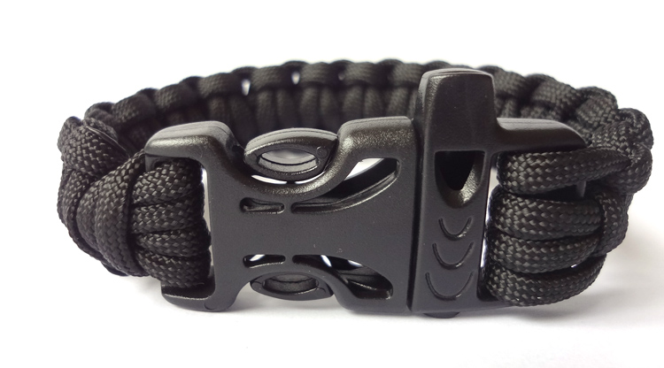 Emergency Survival/550 Paracord Bracelet /Desert Camouflage/Custom Color/ Plastic Buckle With a Whistle /Black Rope/Hand made