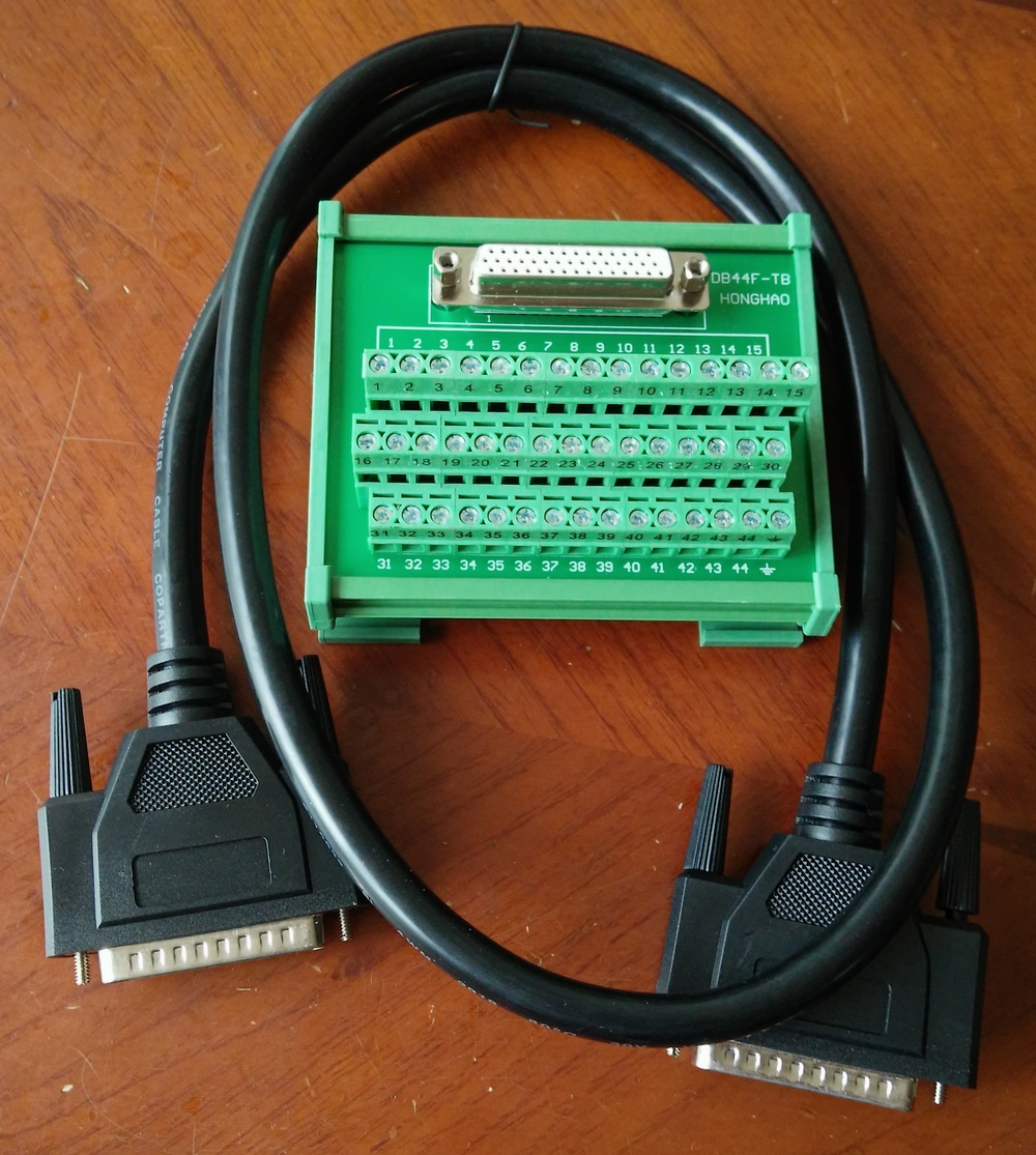 все цены на  DB44 relay terminal station for the delta B2 servo 44 pins terminal adapter board with 1 meter wire  cable  онлайн