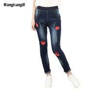 Casual jeans vrouwen blauw borduurwerk sexy lippen Grote plus size 2XL 5XL elastische strakke broek decoratie Patroon Snor effect