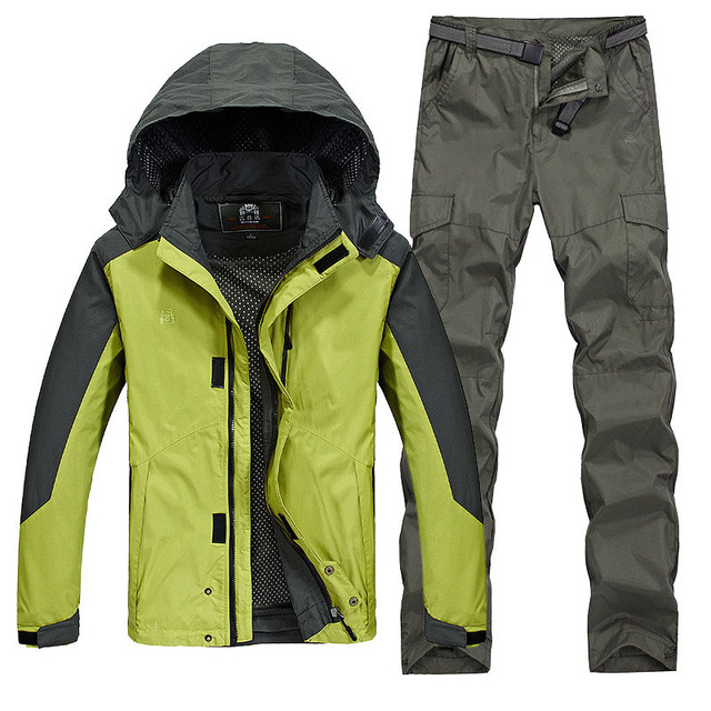 Outdoor hiking jacket suits waterproof men plus size Windbreaker quick drying women fishing jacket suits Mountaineer camping