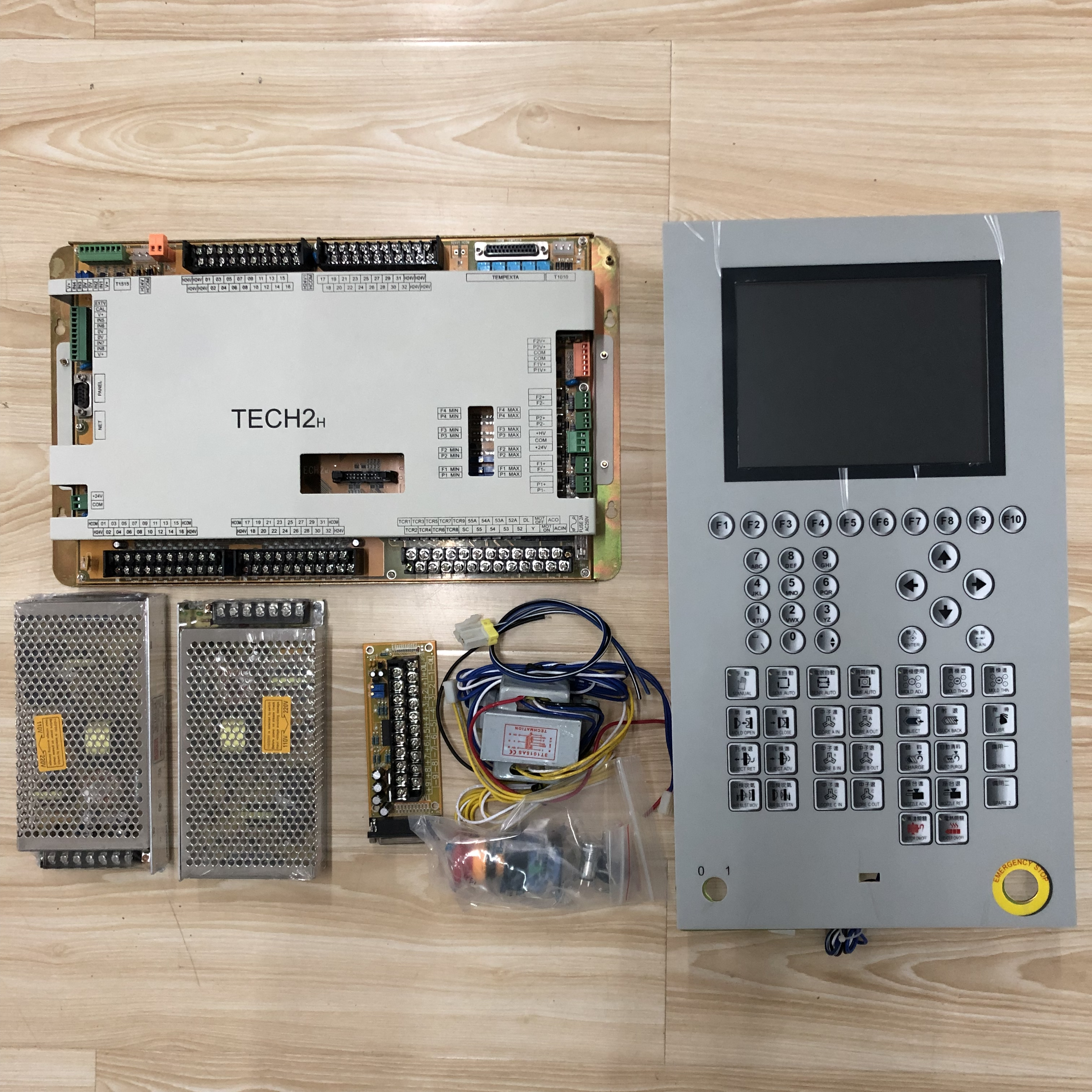 Techmation TECH2  HMI Q8M Complete Set Control System For Injection Molding Machine . Full Set  MADE IN CHINA