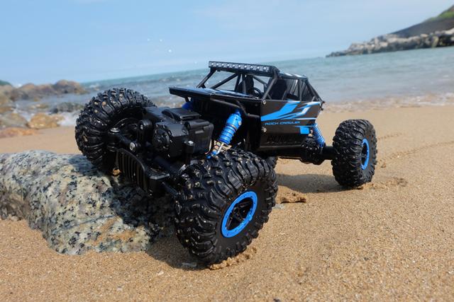 2.4G modelo de Caminhão 4WD RC carro de Escalada com amortecedor 2 Baterias Modelo do Veículo Off-Road de Controle Remoto Bigfoot toy Kids presente