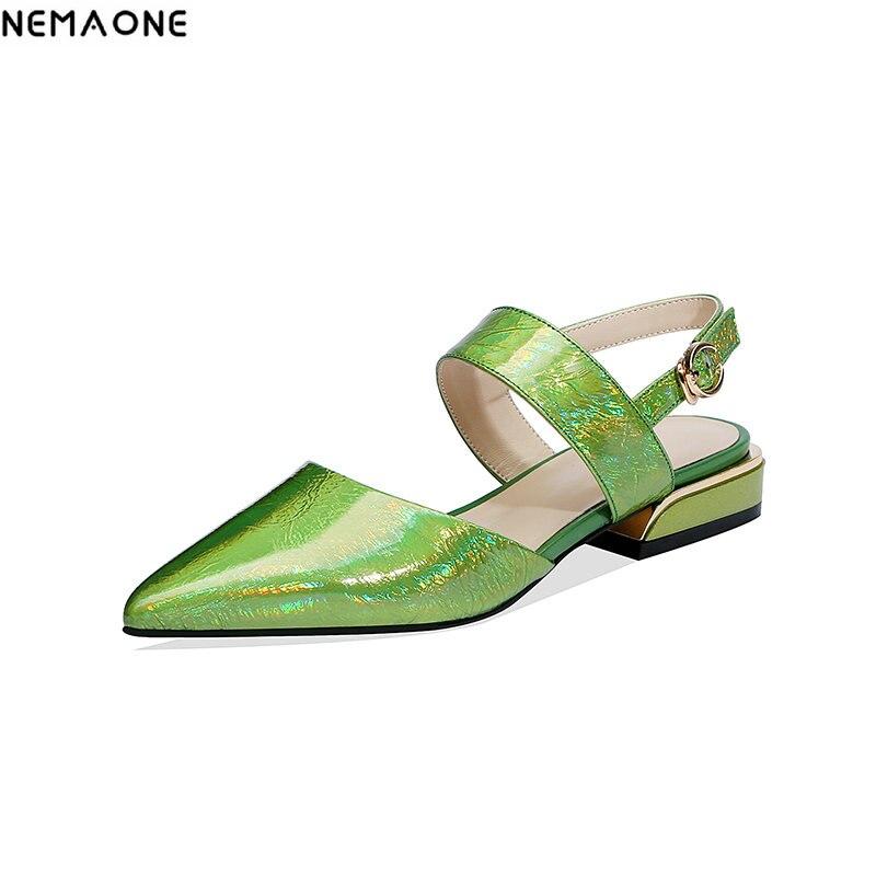 NEMAONE グリーンゴールドパテントレザー低ヒールサンダルの女性の靴の女性のパーティードレスシューズ女性 backle ストラップ女性の靴  グループ上の 靴 からの ローヒール の中 1