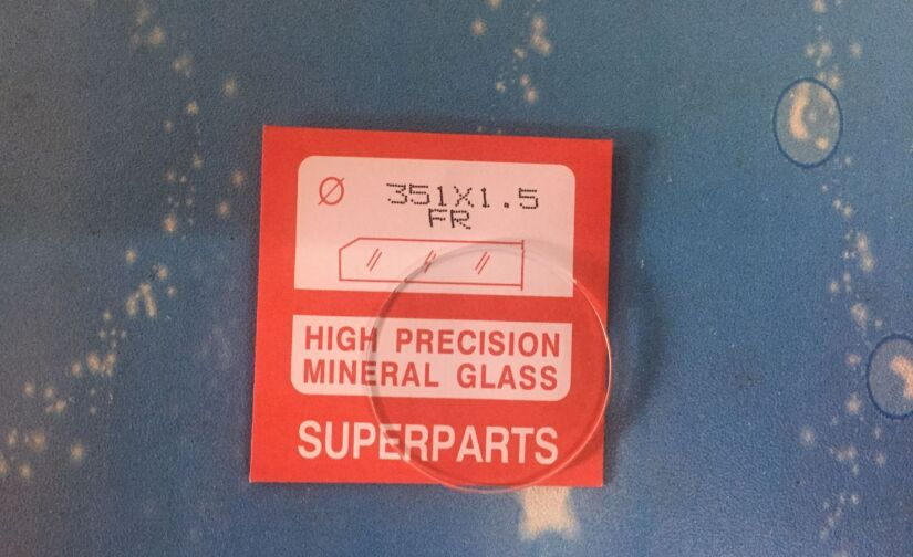 Saatler'ten Onarım Araçları ve Kitleri'de Yüksek Kaliteli 1.5 MM Kalınlığında Düz Yuvarlak Tip Mineral Cam Kiti İzle Onarım'da  Grup 1