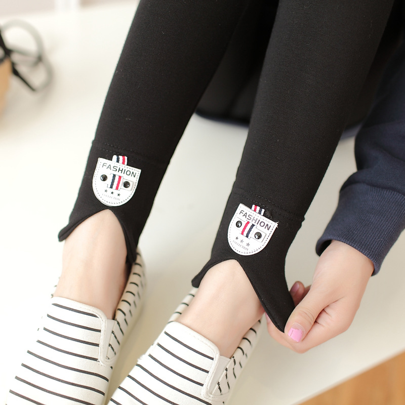 Sweet Style Women's trousers solid color bottoming Patches   pants  . Autumn female. Pencil   pants     Capris   XL0006
