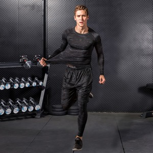Image 2 - Hohe Qualität Compression Männer der Sport Anzüge Quick Dry Lauf sets Kleidung Sport Jogger Training Gym Fitness Trainingsanzüge Lauf