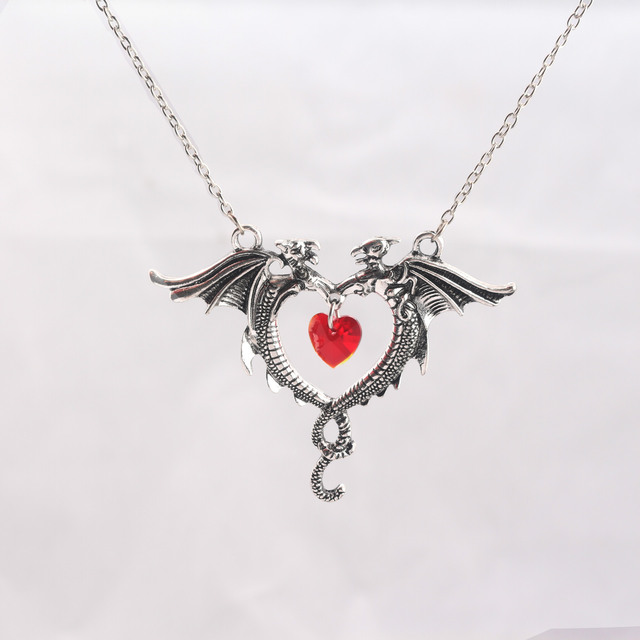 Vintage Necklace Jewelry Women Crystal Heart Necklace Dragon Necklaces 3