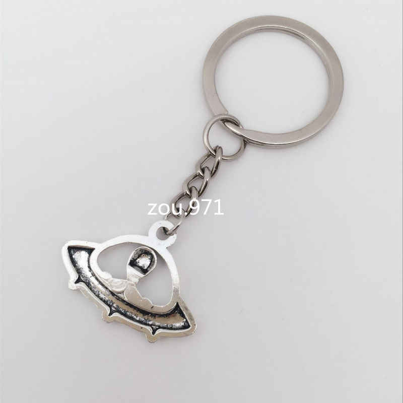NEW 1pcs Retro silver The aliens pendant Key chain Fashion Jewelry UFO