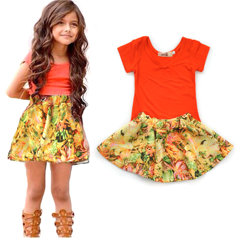 Girls' Wear 2017 Summer Europe and the United States V - neck short - sleeved T - shirt + floral skirt two - piece 2017 spring and summer fashion girls clothing europe and the united states wind dress long sleeved lace princess peng peng dress