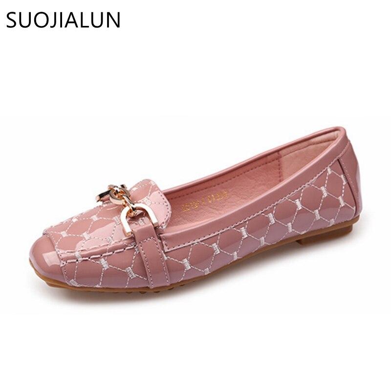 цена на SUOJIALUN Women Shoes New Arrival Patent Leather Flat Women Ballet Flats Shoes Spring Autumn Casual Shoes Plus Size 35-41