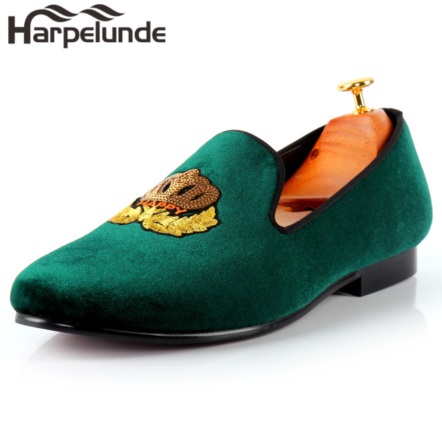 7906010ef205 Harpelunde Men Classic Wedding Shoes Motif Badge Green Velvet Flat Loafers  Size 6-14