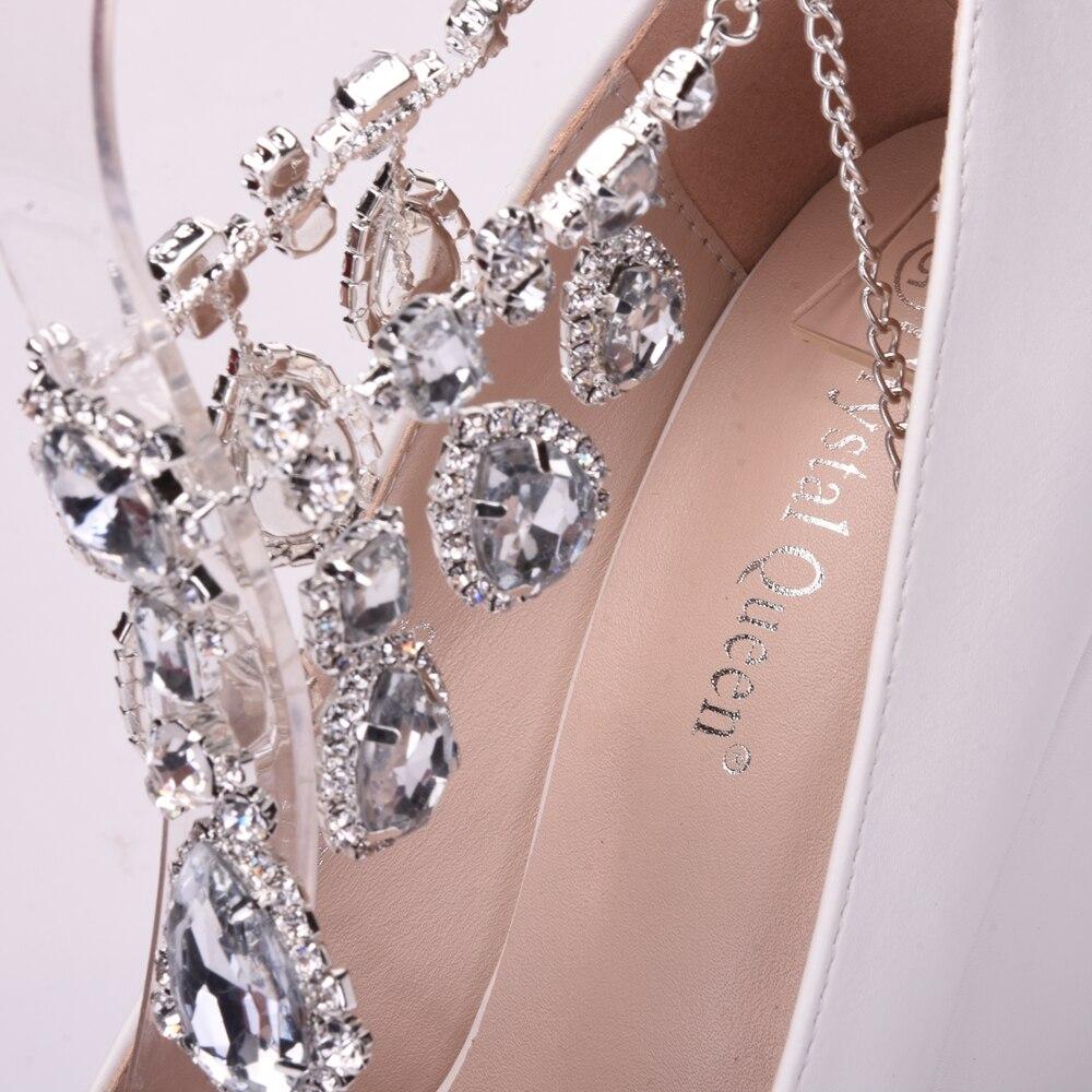 Magnífico Tacón Bajo Los Zapatos De Vestido De Novia Composición ...