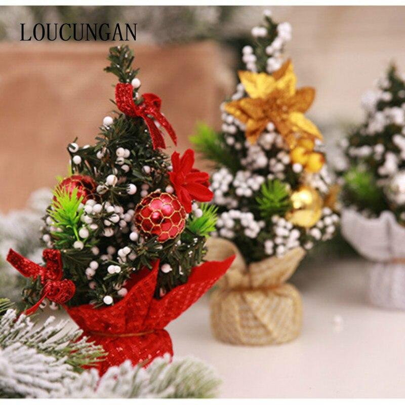 973cda2a0f5ac Feliz Navidad árbol decoraciones con lazo rojo bolas Mini árbol de Navidad  decoraciones para el hogar Navidad Feliz Año Nuevo 2018 favores en Árboles  de ...