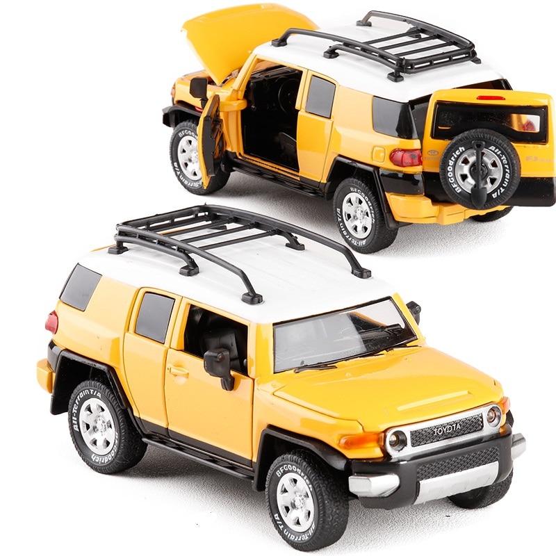 Alloy Diecast For Toyota Cruiser FJ SUV Sport Car Model 1