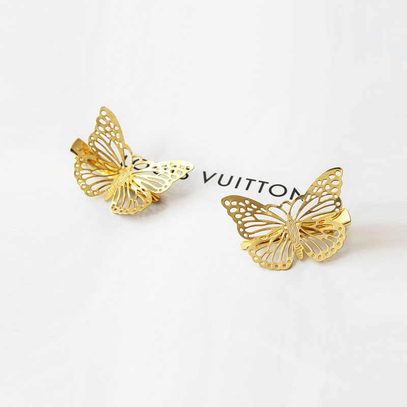 Fashion Retro Hollow Golden Butterfly Hair Clip for Women Elegant Korean Design Barrette Stick Hairpin Hair Styling Accessories
