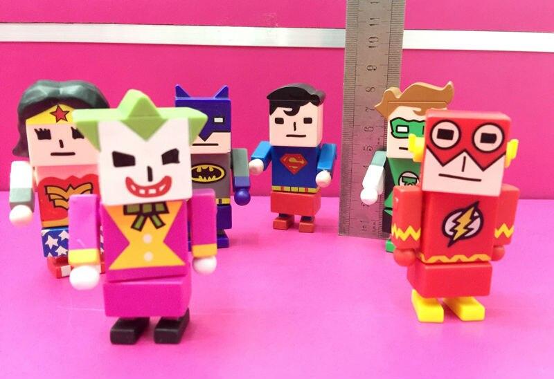 6 pcs/set Genuine DC Comics Justice League Heroes Figure Wonder Woman, Batman,Superman,The Flash,Catwoman pvc Action Figure Toys