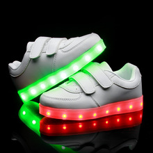 2016 Fashion Brand Boys Girls LED Light Shoes Kids Sneakers Luminous Glow Sole Children LED Sneakers Boys Casual Sport Shoes