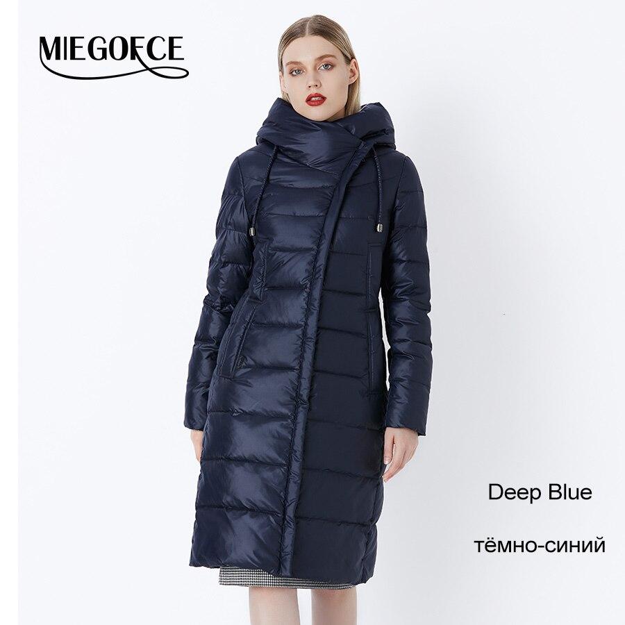 605 Deep blue