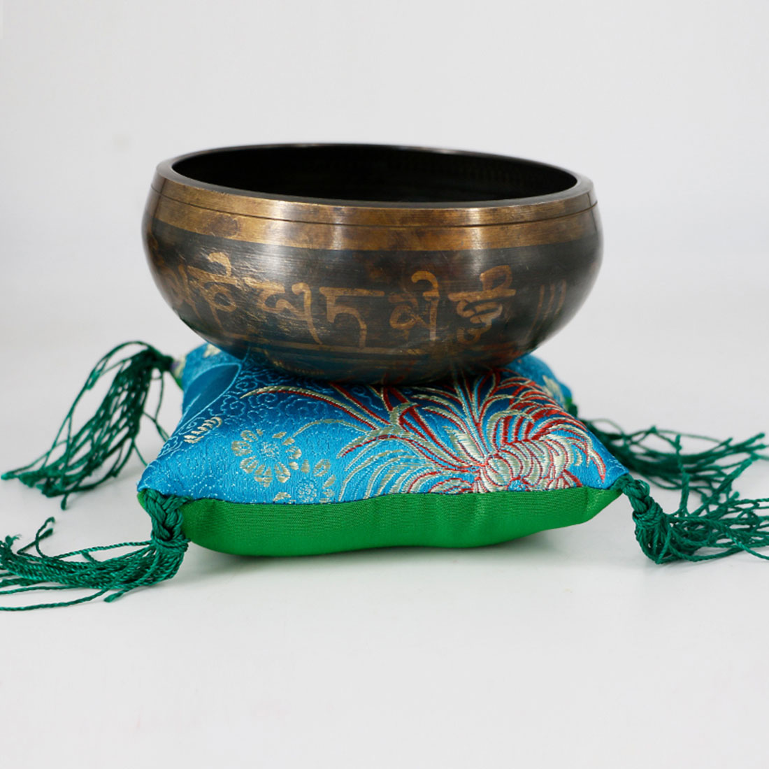 Tibetan Singing Bowl (8-17.5 cm) 2