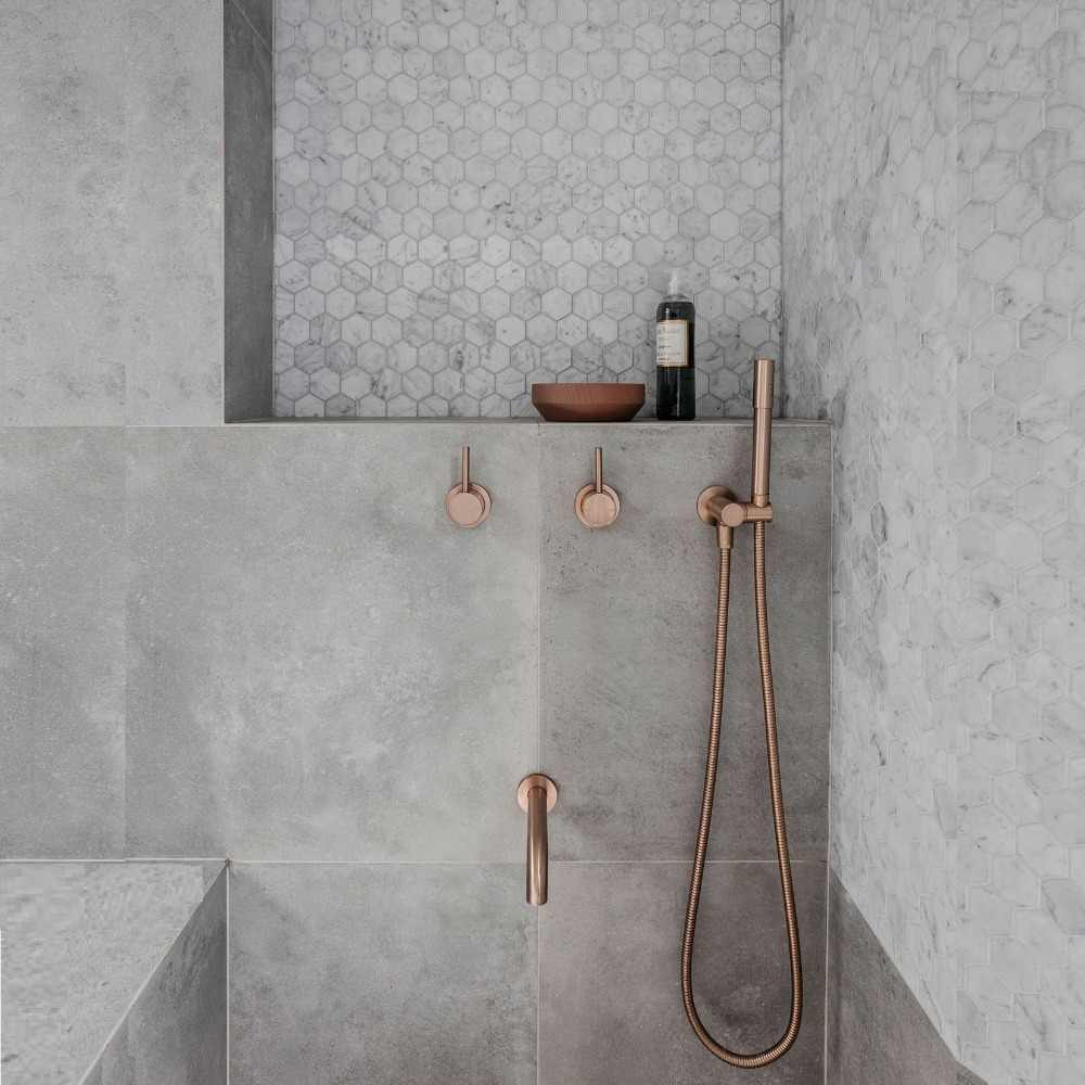 Free Standing Bath tub round polish rose gold Mixer Spout hand held matte black