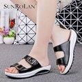 Sunrolan mujeres de talla grande sandalias 2017 nuevos zapatos de cuero genuinos mujer resbalón de diapositivas verano punta abierta sandalias de playa de las mujeres 921