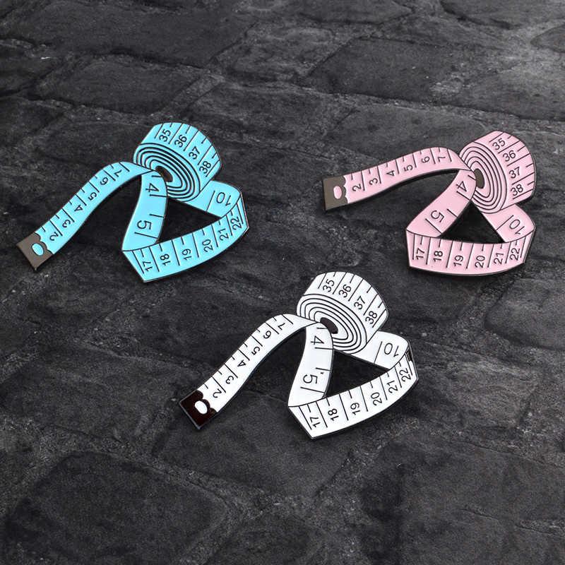 Lucu 3 Warna Kartun Pengukuran Alat Bros Putih Biru Pink Enamel Pin Lencana Jahit Meteran Designer Wanita Perhiasan Anak