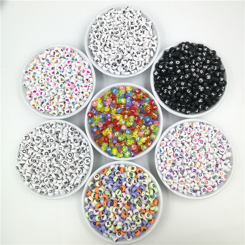 200pcs 7mm Flat Round Alphabet Beads Acrylic Russian Heart Letter Beads for Charms Jewelry Making DIY Accessories Random Mixed(China)