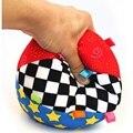 Новый Дизайн Красочные Музыка Колокол Детей Toys Детские Развивающие Мягкие Ткани Мяч Руки Захватывают Практикующих