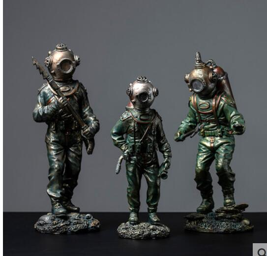 Abstract Retro Vintage Figures Creativity of European-style retro diver model crafts come art rafts home decoration Statues Abstract Retro Vintage Figures Creativity of European-style retro diver model crafts come art rafts home decoration Statues