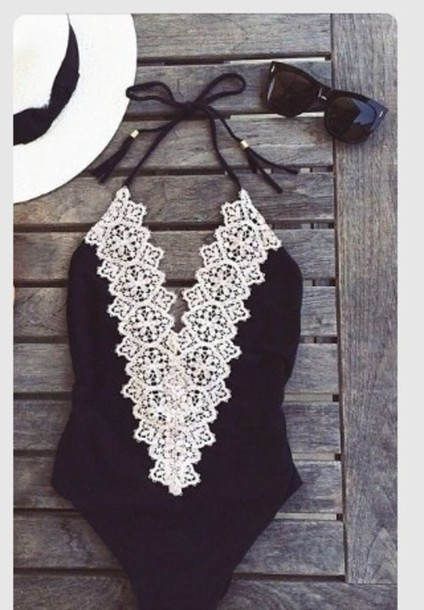 2016 Black Bandage lace swimsuit women Strappy Sexy One Piece Bathing Suit brazilian Swimwear push up Swimsuit halter Moda Praia