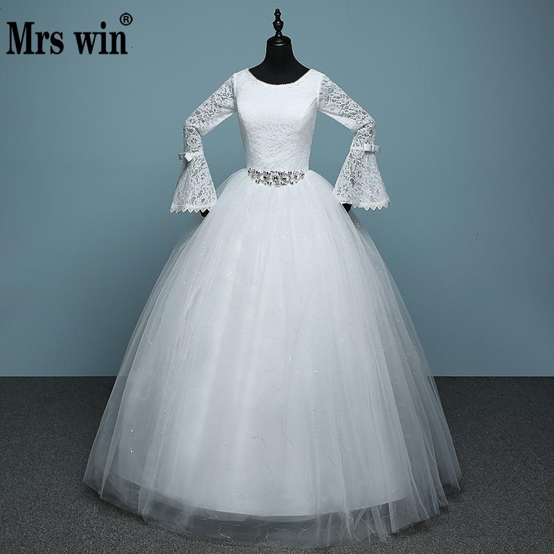 2019 Winter Long Sleeve Winter Wedding Dress White Red Lace Ball Gown Simple Crystal Diamond Belted