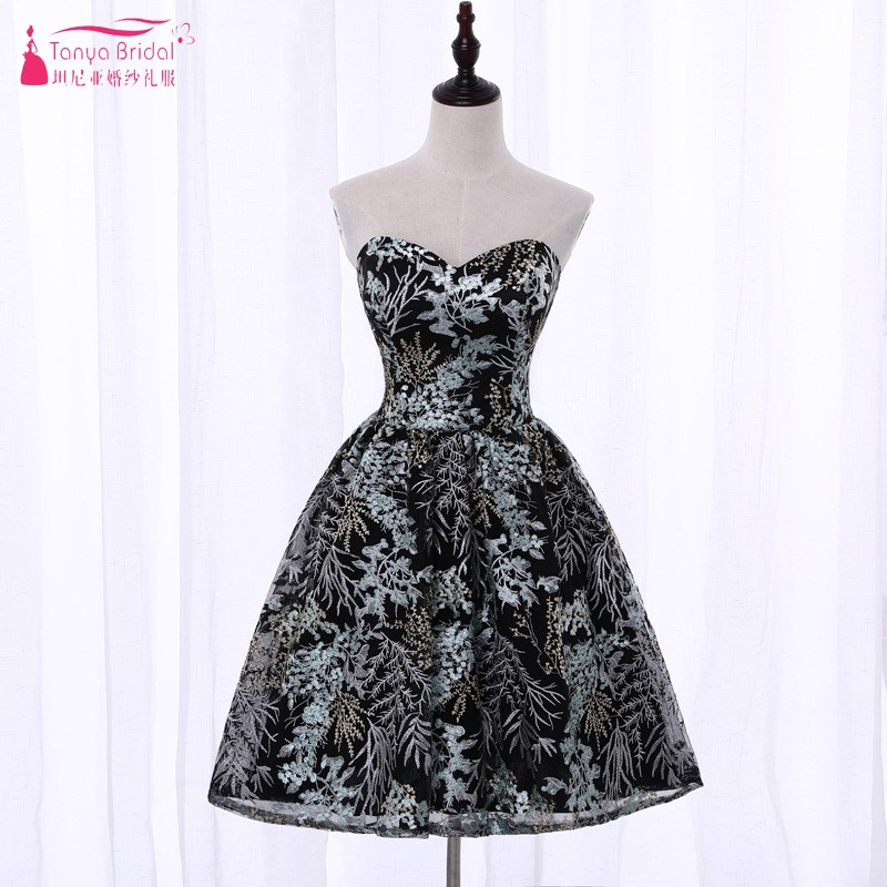 Strapless A Line Embroidery Homecoming Dresses 2018 Vintage Fashion Black Short Mini Cocktail Dress Gown vestido