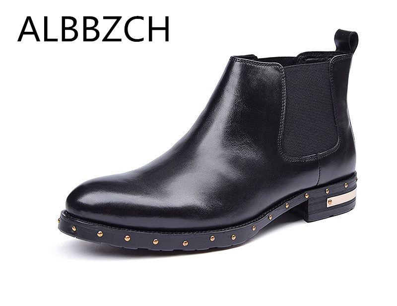 New fashion rivets design genuine leather men boots autumn winter wedding shoes round toe slip on mens chelsea work boots botasNew fashion rivets design genuine leather men boots autumn winter wedding shoes round toe slip on mens chelsea work boots botas